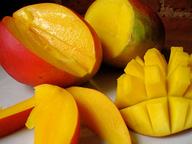There's more than one way to cut a mango.