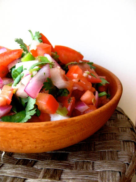 ¿Huevona? Whatever. This lazy salsa is delicious.